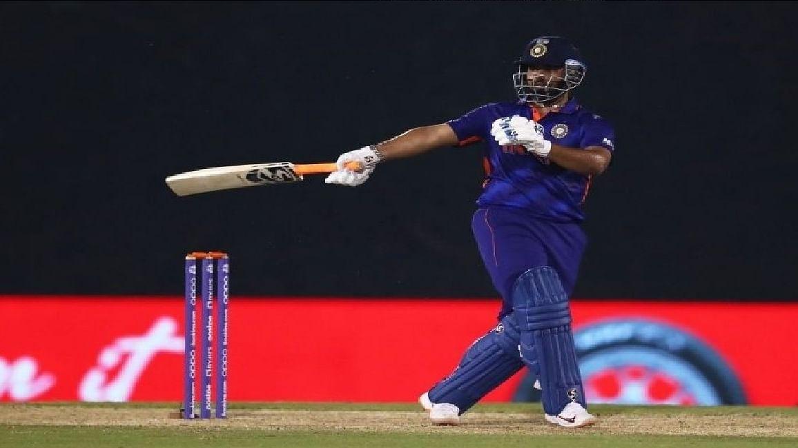 IND vs ENG T20 WC : वार्मअप मैच में केएल राहुल-ईशान किशन की तूफानी पारी, पंत ने छक्का जड़ भारत को जीताया