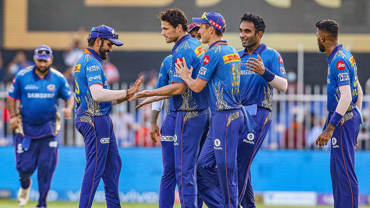 IPL 2021: दिल्ली ने मुंबई को 4 विकेट से रौंदा, प्लेऑफ के लिए बढ़ायी मुश्किलें, नहीं चले रोहित शर्मा