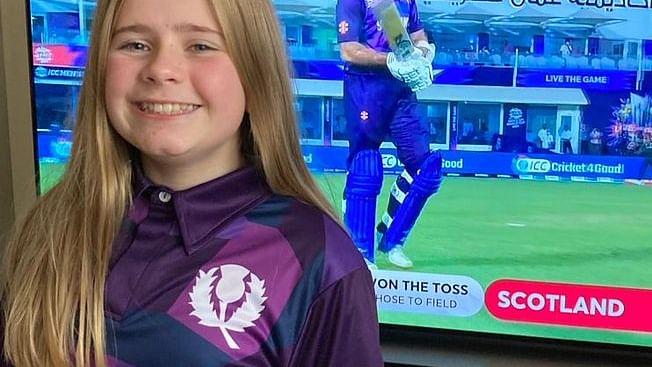 T20 WC: 12 साल की बच्ची ने डिजाइन की इस क्रिकेट टीम की जर्सी, अब वर्ल्ड कप में मचा रहा धमाल