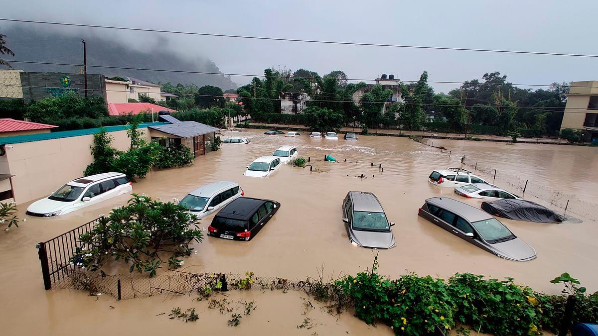 उत्तराखंड में मूसलाधार बारिश से 40 की मौत, चारधाम यात्रा कल से, केरल के लिए ऑरेंज अलर्ट जारी