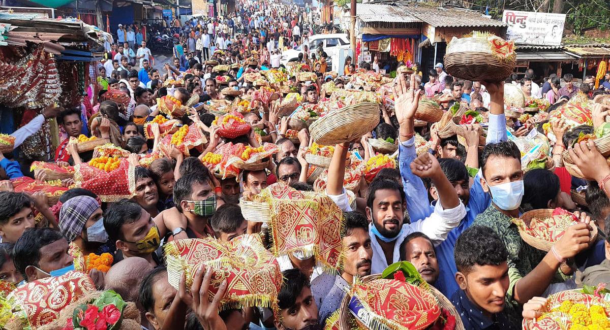 मां छिन्नमस्तिके मंदिर में उमड़ा जनसैलाब, नवरात्र के अंतिम दो दिन करीब 70 हजार श्रद्धालुओं ने किये दर्शन