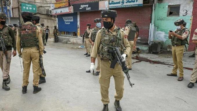 Kashmir Terrorist Attack: स्कूल में आतंकी हमला, प्रिंसिपल और शिक्षक की हत्या, टीआरएफ ने ली हमले की जिम्मेदारी