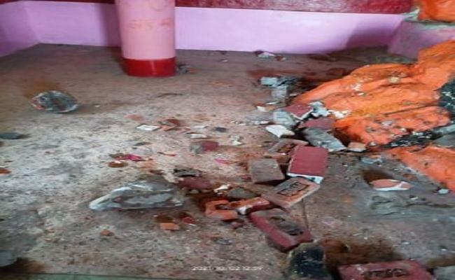 जम्मू-कश्मीर में बरघशेखा भवानी मंदिर पर हमला, उपद्रवियों ने मूर्तियों को तोड़ा, जांच के लिए SIT का गठन