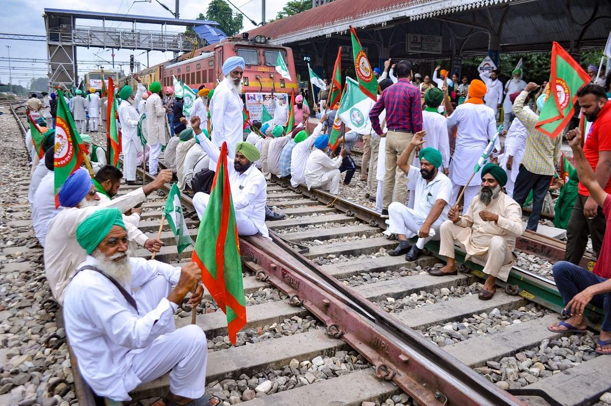 Rail Roko Andolan LIVE: रेल रोको अभियान का इस किसान संगठन ने किया बहिष्कार, देशभर में किसानों का प्रदर्शन जारी