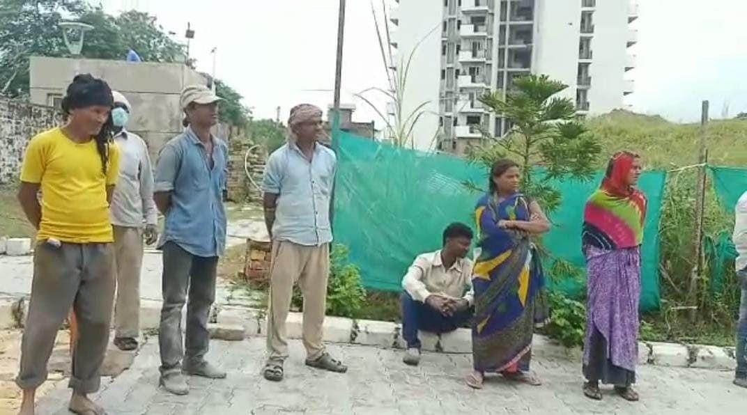 Kanpur News: मजदूर की करंट लगने से मौत, ठेकेदार ने दो घंटे तक पुलिस को नहीं दी खबर, जांच शुरू