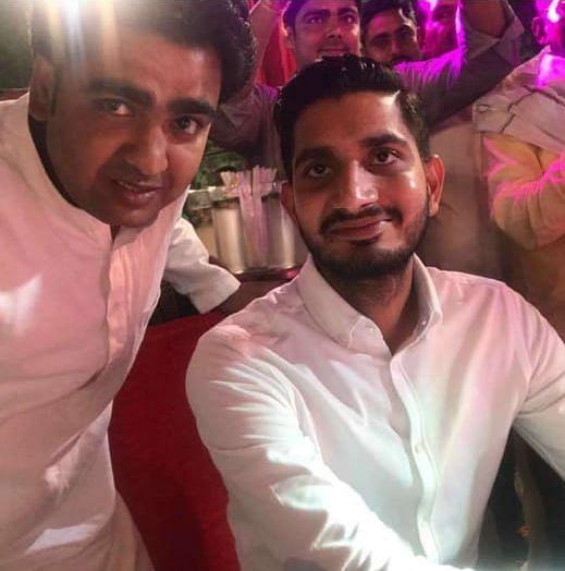 शिवपाल यादव के बेटे आदित्य यादव के साथ सटोरिया यूनिस खान
