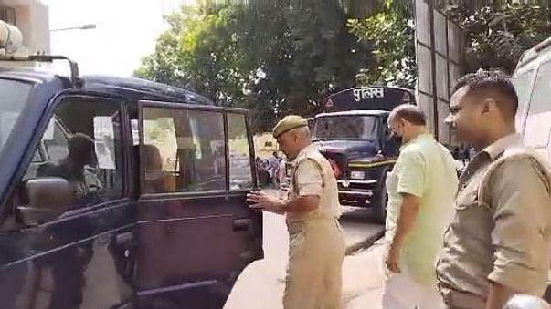 UP News: बुलंदशहर के रिटायर डीएसपी रणधीर सिंह ने कोर्ट में किया सरेंडर, 25 हजार रुपये का था इनाम