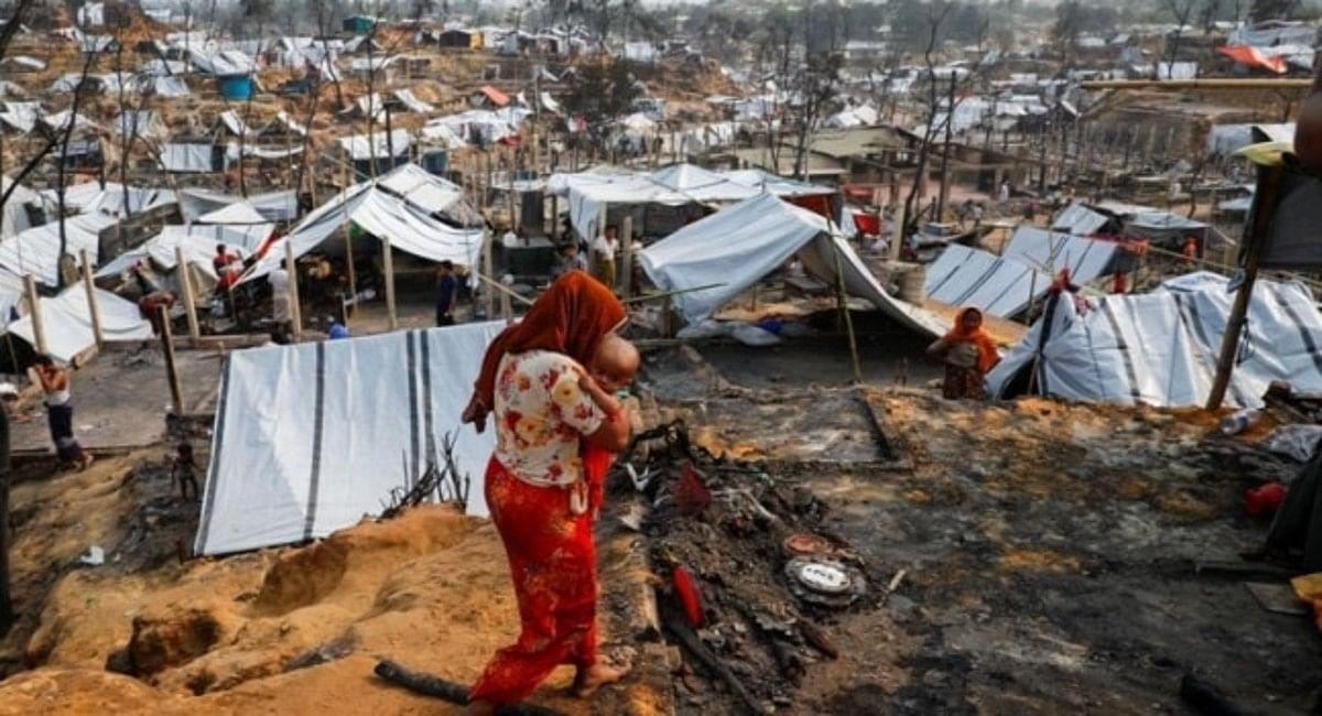 बांग्लादेश : रोहिंग्या शरणार्थी कैंप में गोलीबारी से सात की मौत, कई घायल