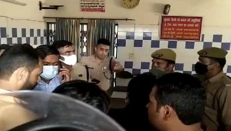 Agra News: कस्टडी में युवक की मौत मामला, अधिकारियों को मिली डैमेज कंट्रोल की जिम्मेदारी