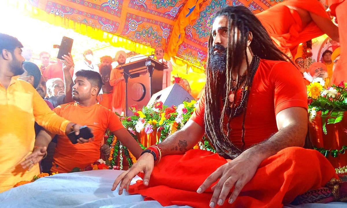 16 साल की उम्र में महंत नरेंद्र गिरि की शरण में आए बलबीर गिरि, इच्छानुसार बने बाघंबरी मठ के महंत