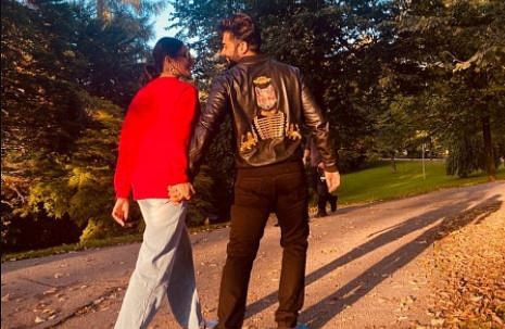 Rakul Preet Singh और जैकी भगनानी ने अपने रिलेशनशिप को किया ऑफिशियल! इस तसवीर पर सेलेब्स जता रहे प्यार