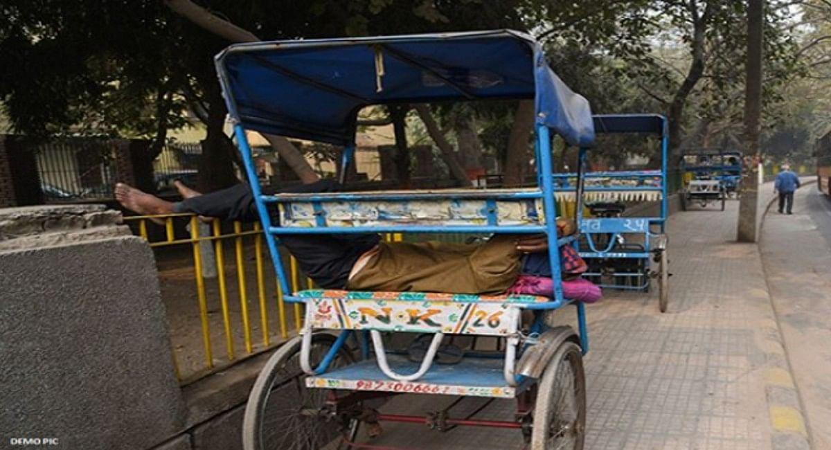 मथुरा में रिक्शाचालक को इनकम टैक्स ने भेजा नोटिस, 3 करोड़ रुपये के भुगतान का दिया आदेश