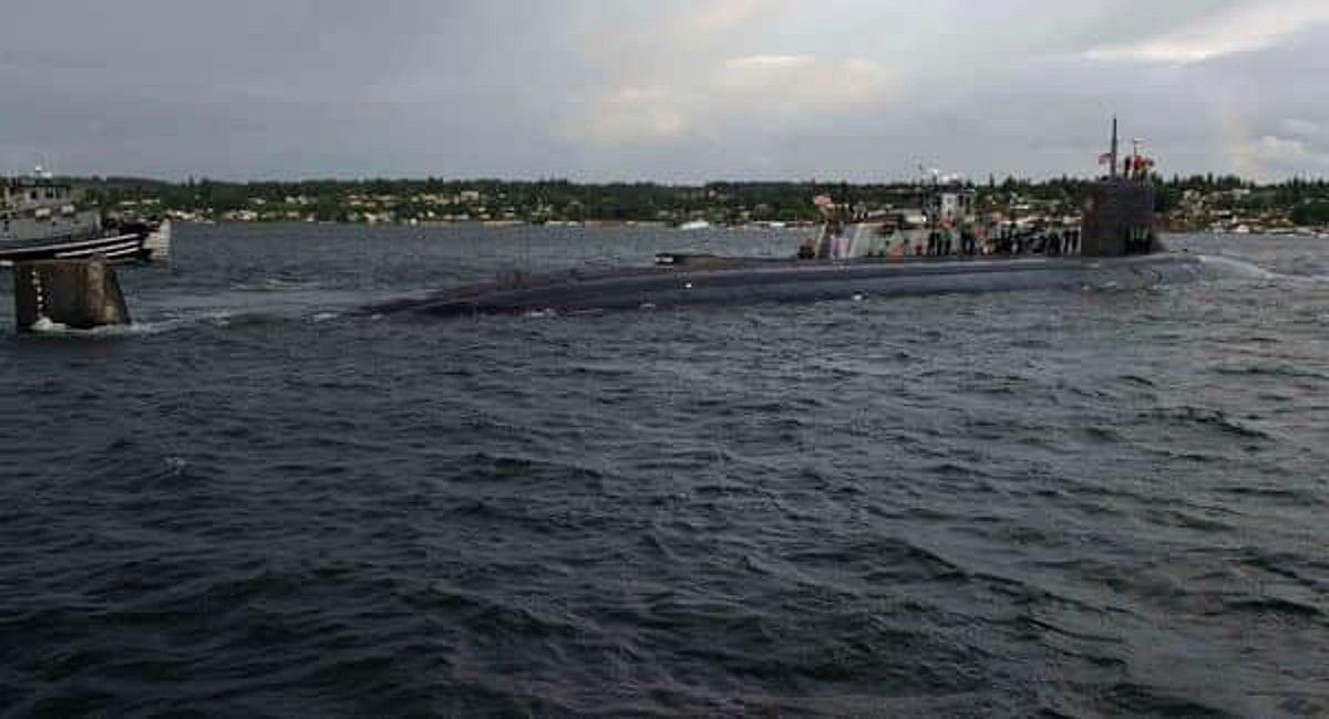 अमेरिका को लगा बड़ा झटका : दक्षिण चीन सागर में रहस्यमयी चीज से टकराई परमाणु पनडुब्बी, 11 नौसैनिक घायल