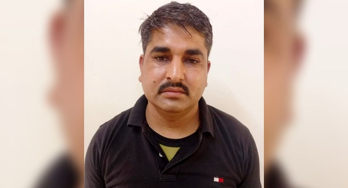 पाक के लिए जासूसी कर रहा था BSF का जवान, गुजरात ATS ने पकड़ा, WhatsApp से भेजता था सूचनाएं