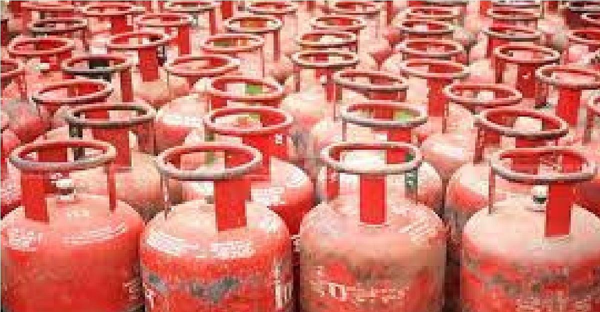 LPG Cylinder News: अक्टूबर की पहली तारीख को महंगाई की मार, बढ़ गये रसोई गैस के दाम