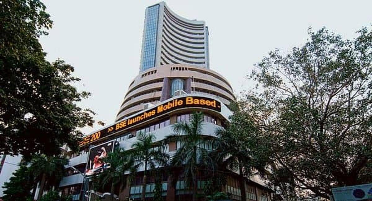 Stock market news : शुरुआती कारोबार में 68.95 अंक बढ़कर खुला सेंसेक्स, निफ्टी 18,100 अंक के पार
