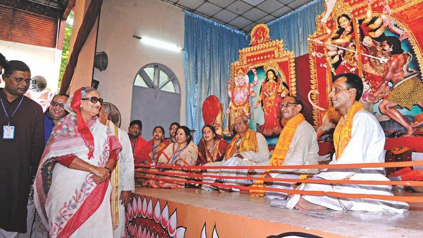 शेख हसीना ने भारत को दी नसीहत, बोलीं- वहां कुछ ऐसा न हो कि उसका असर बांग्लादेश के हिंदुओं पर पड़े