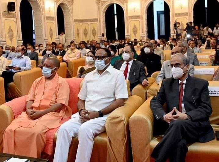शपथ ग्रहण समारोह में शामिल मुख्यमंत्री योगी आदित्यनाथ