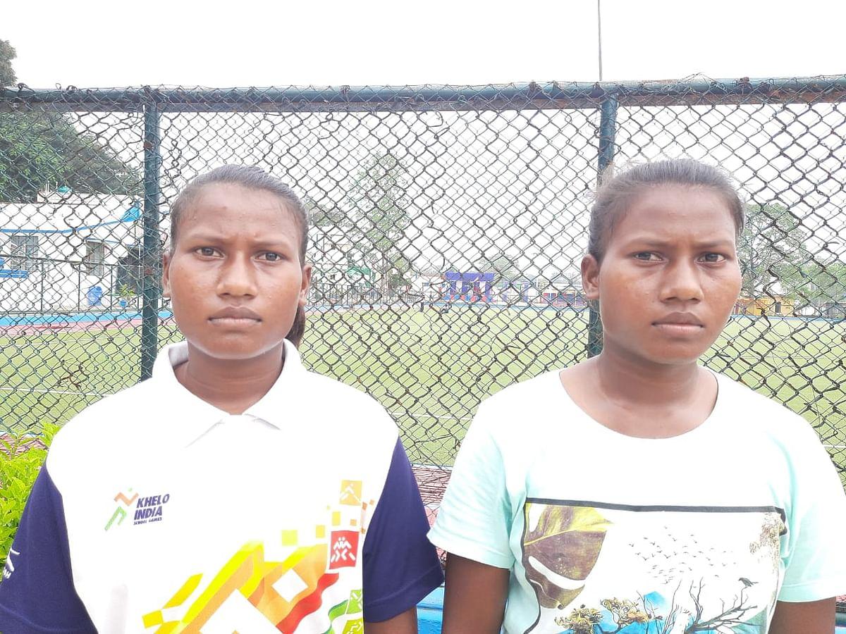 झारखंड हॉकी टीम में दो जुड़वां बहनों ने बनायी जगह, किरण व काजल बाड़ा ने गरीबी से ऐसे किया संघर्ष