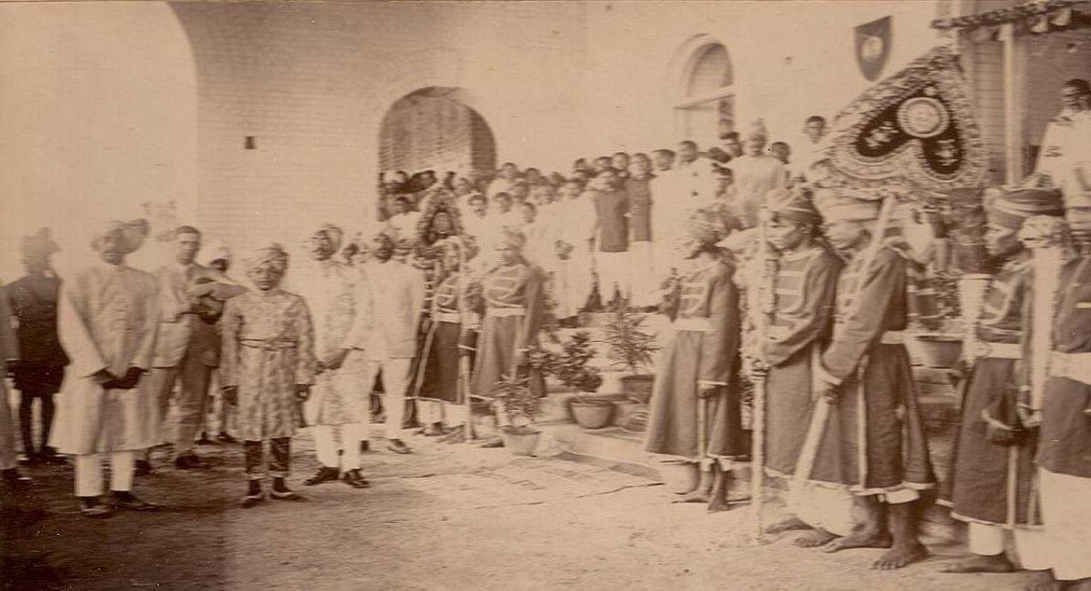 रियासत काल में भी सरायकेला राजवाड़े में मां दुर्गा पूजा की होती थी आराधना.