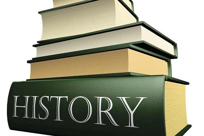 इतिहास का पुनर्लेखन जरूरी