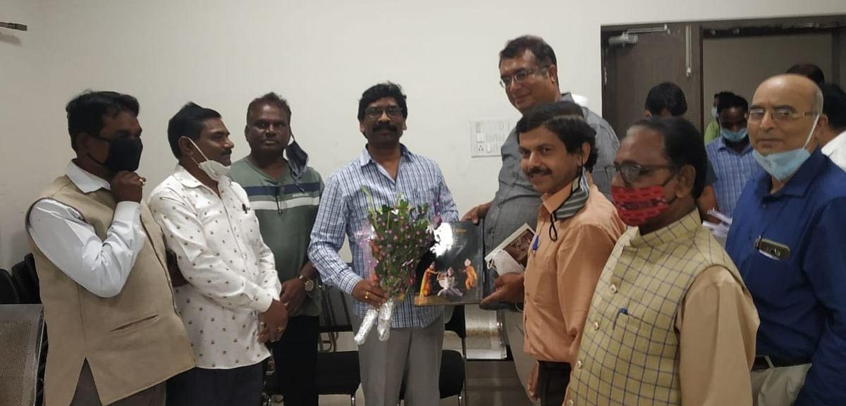 Jharkhand News : कोल्हान के ओड़िया समुदाय के विकास की मांग, झारखंड के CM हेमंत सोरेन ने दिया ये आश्वासन