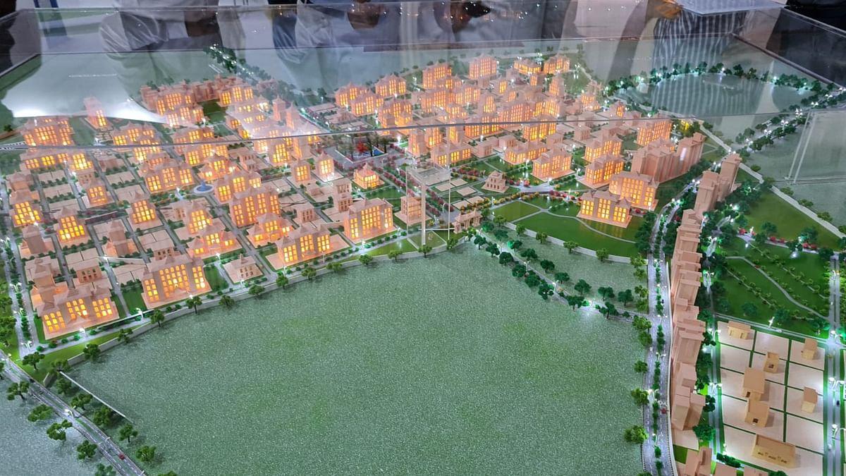 पीएम मोदी ने लखनऊ में देखा राम मंदिर का मॉडल