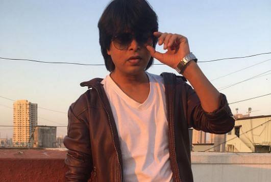 आर्यन खान की गिरफ्तारी के बाद शाहरुख खान के हमशक्ल को नही मिल रहा काम, बच्चों की फीस भरने तक के पैसे नहीं