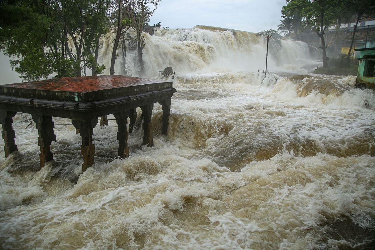 कन्याकुमारी के पर्यटन स्थल थिरपारप्पू जलप्रपात जाना मुश्किल