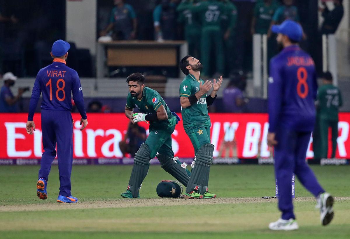 T20 World Cup 2021: पाक से हार के बाद सुपर 12 में भारत को आगे कब और किस टीम से खेलने हैं मैच, जानें...
