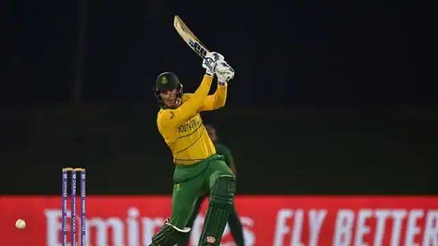 T20 WC: वॉर्मअप मैच में ही खुली पाकिस्तानी गेंदबाजों की पोल, साउथ अफ्रीकी बल्लेबाज ने की जमकर धुनाई, ठोका शतक