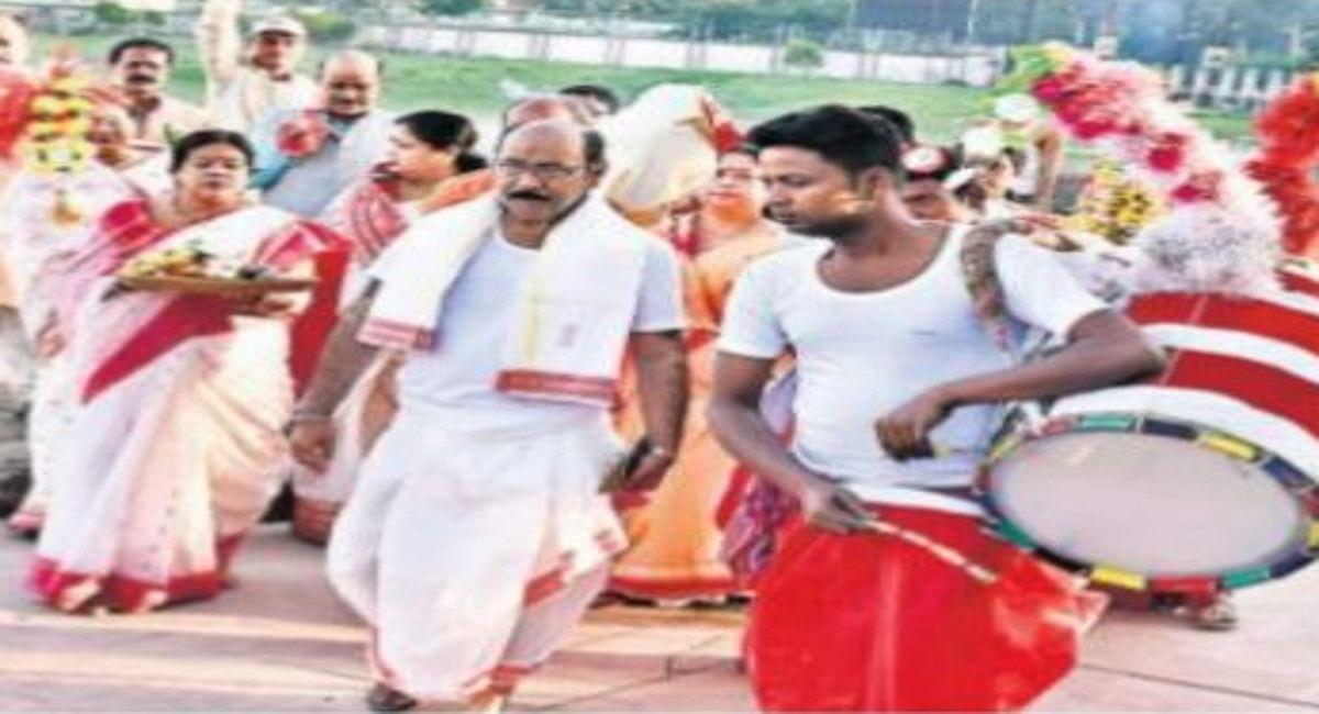 Navratri 2021: दुर्गोत्सव में श्रद्धा का रंग भरते 'ढाक के ताल', माता के आगमन से प्रस्थान तक बजते रहते हैं ढाक