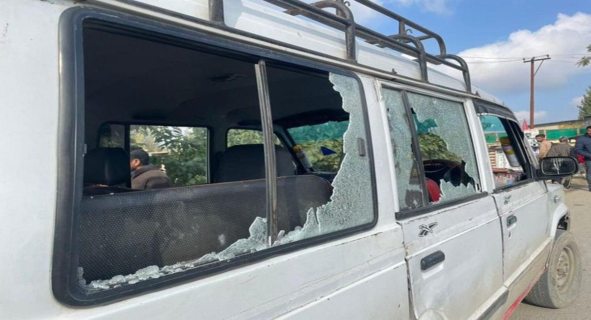 जम्मू-कश्मीर : अमित शाह के दौरे के दौरान बांदीपोरा में सुरक्षा बलों पर ग्रेनेड से हमला, एक महिला समेत कई घायल