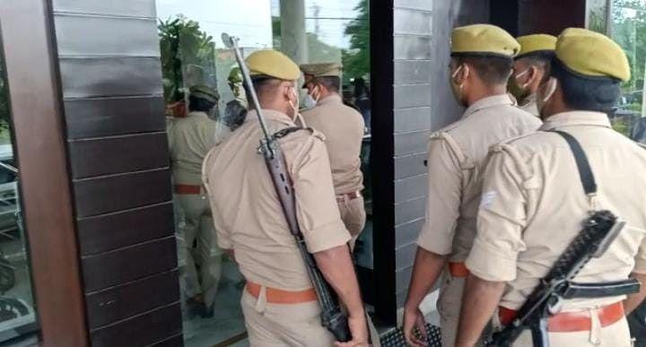 Manish Murder Case: जांच के सिलसिले में गोरखपुर पहुंची SIT, 6 घंटे तक होटल जांच के बाद कही ये बात