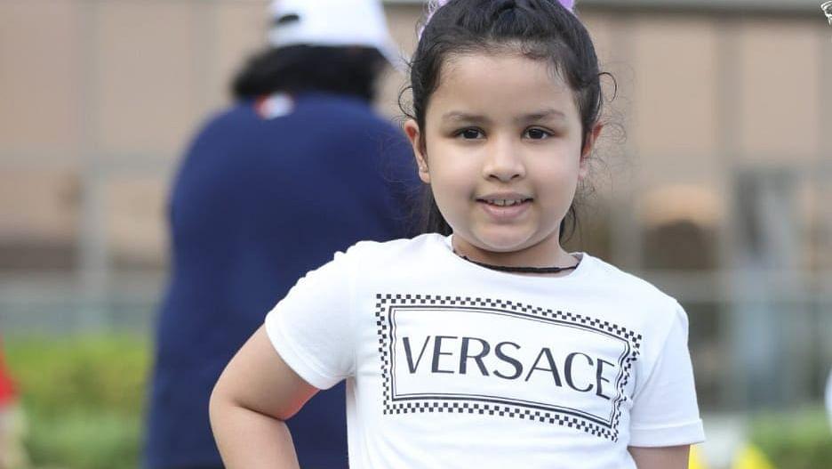 IPL 2021: धोनी की बेटी जीवा ने अपने बेस्ट फ्रेंड के साथ किया रैंप वॉक, क्यूटनेस ने जीता लोगों का दिल