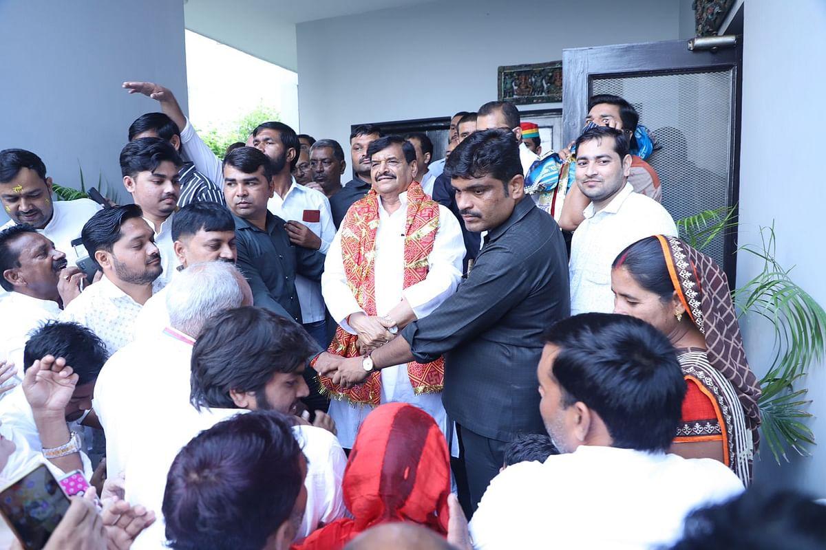 UP Chunav 2022: भतीजे अखिलेश से नहीं बनी बात तो चाचा शिवपाल यादव ने फूंका बिगुल, मथुरा से निकालेंगे रथ यात्रा
