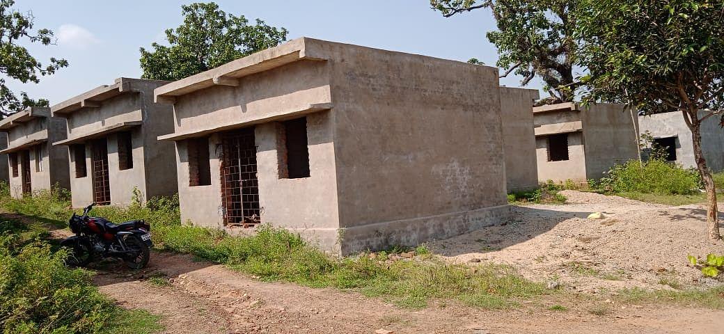 Jharkhand News : खानाबदोश जीवन जी रहे लोग गांधी ग्राम में गृह प्रवेश करने से क्यों कर रहे इनकार