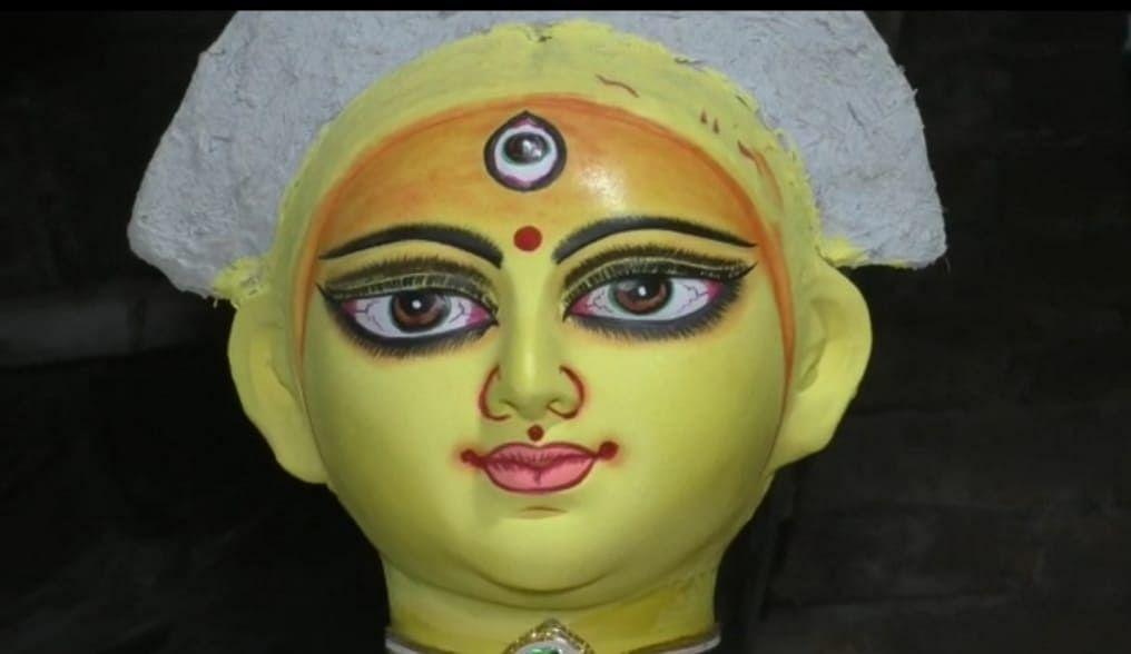 Navratri 2021: काशी विश्वनाथ के शहर में दुर्गा पूजा का उत्साह, मूर्तिकारों को कमाई की चिंता...