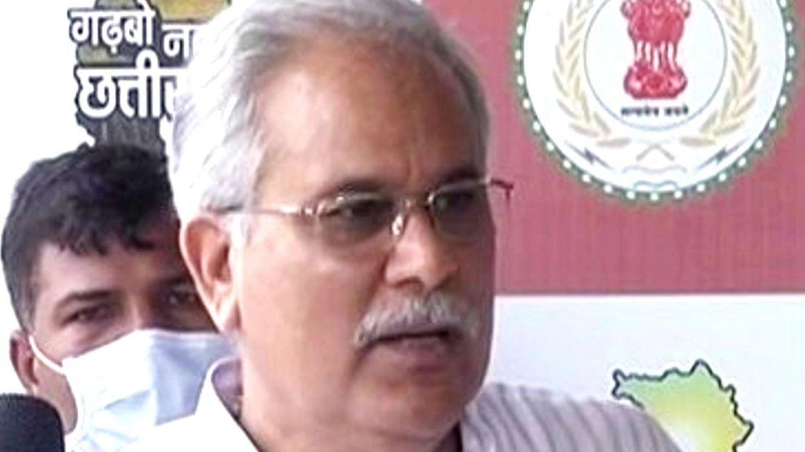 Chhattisgarh News: छत्तीसगढ़ के सीएम भूपेश बघेल की कुर्सी पर फिर मंडराया खतरा? विधायकों का दिल्ली दौड़ जारी