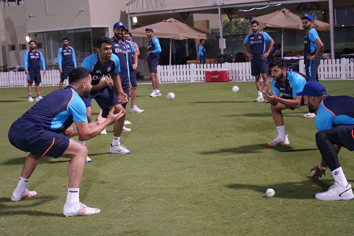 IND vs NZ: न्यूजीलैंड को शिकस्त देने के लिए कोहली सेना ने कसी कमर, अनोखे अंदाज में किया प्रैक्टिस