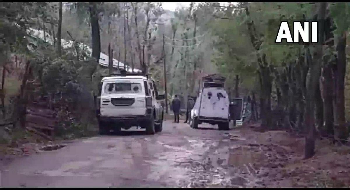 जम्मू-कश्मीर के बांदीपोरा और अनंतनाग में सुरक्षाबलों से मुठभेड़ में दो आतंकी ढेर, सर्च ऑपरेशन जारी