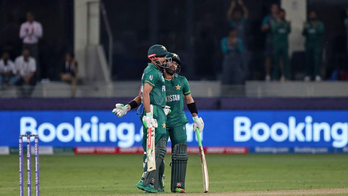 PAK vs NZ T20 World Cup Live Score:  पाकिस्तान को पांचवां झटका, इमाद वसीम 11 रन बनाकर आउट, PAK 91/5 (15)