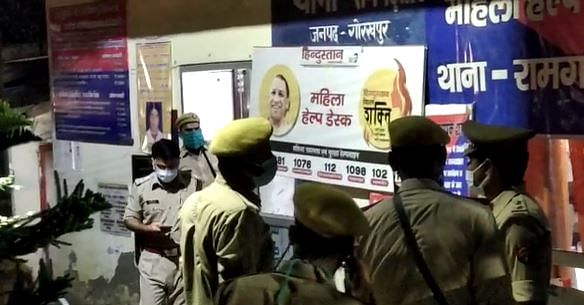 आरोपी पुलिसकर्मियों से पूछताछ जारी