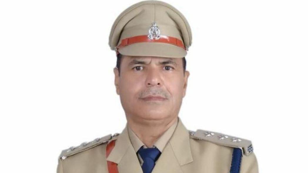 UP News: बुलंदशहर फेक एनकाउंटर मामले में रिटायर डीएसपी रणधीर सिंह पर 25 हजार का इनाम घोषित