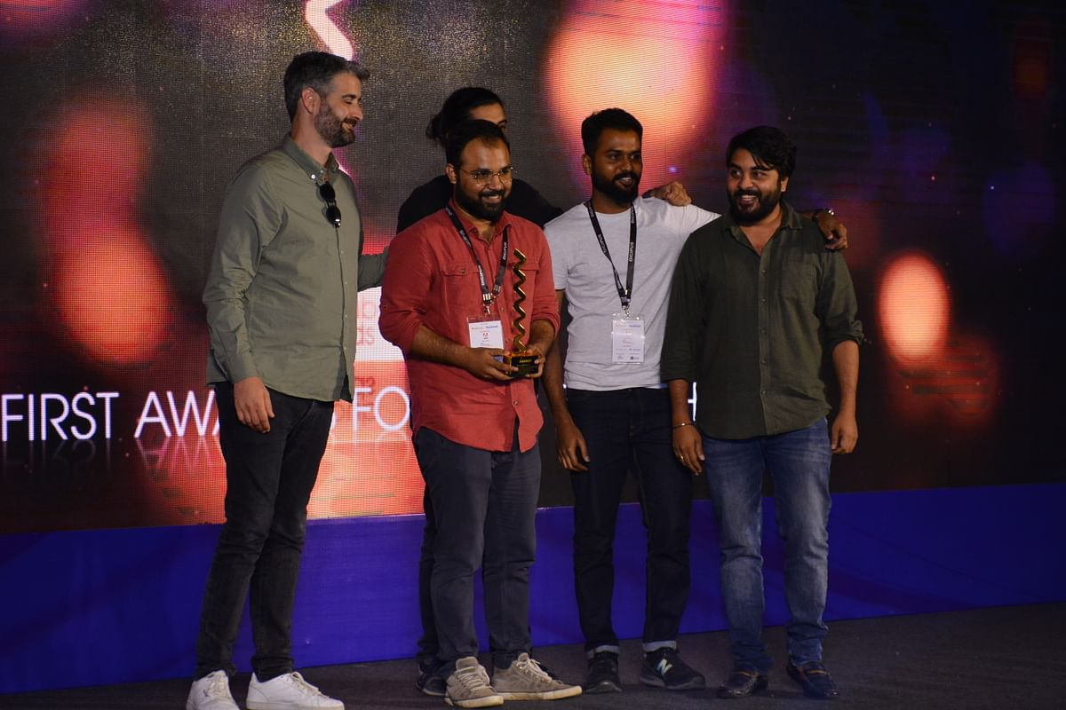 BBC News Hindi receiving Gold in the Best Interactive Story category