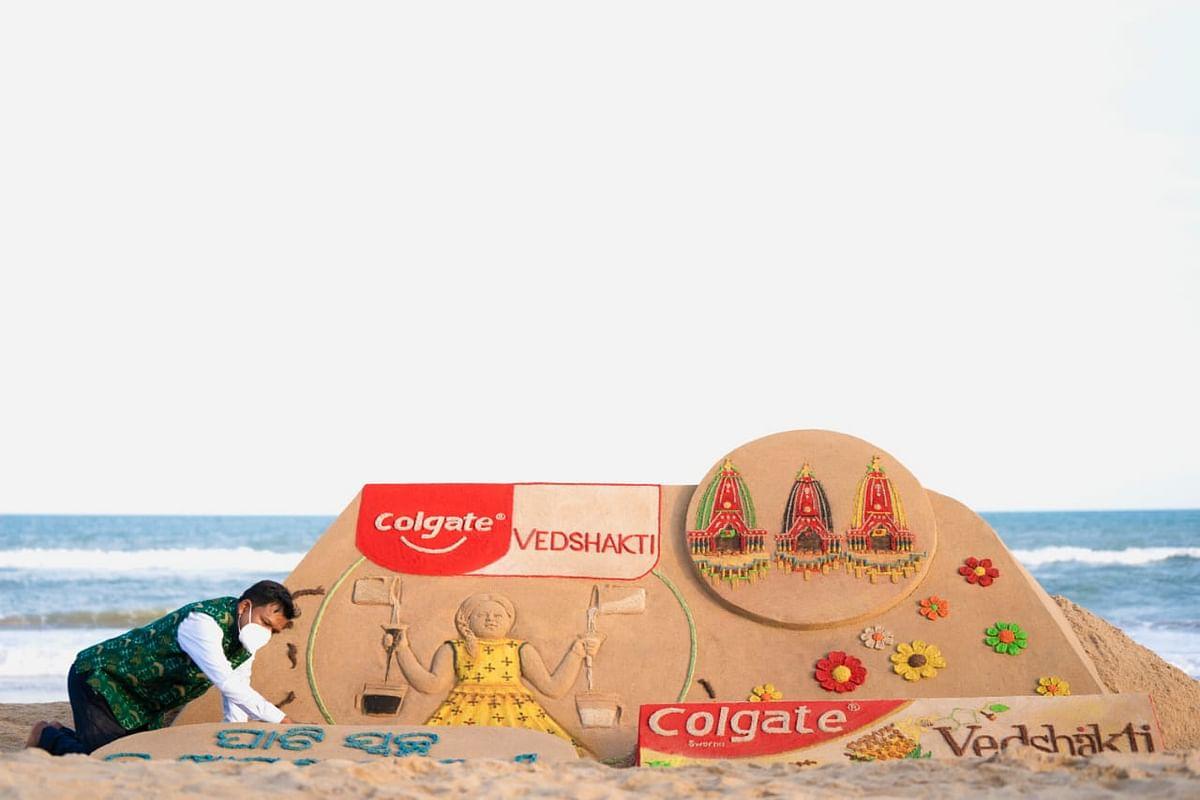 Colgate Vedshakti sand art by Sudarsan Pattnaik in Puri
