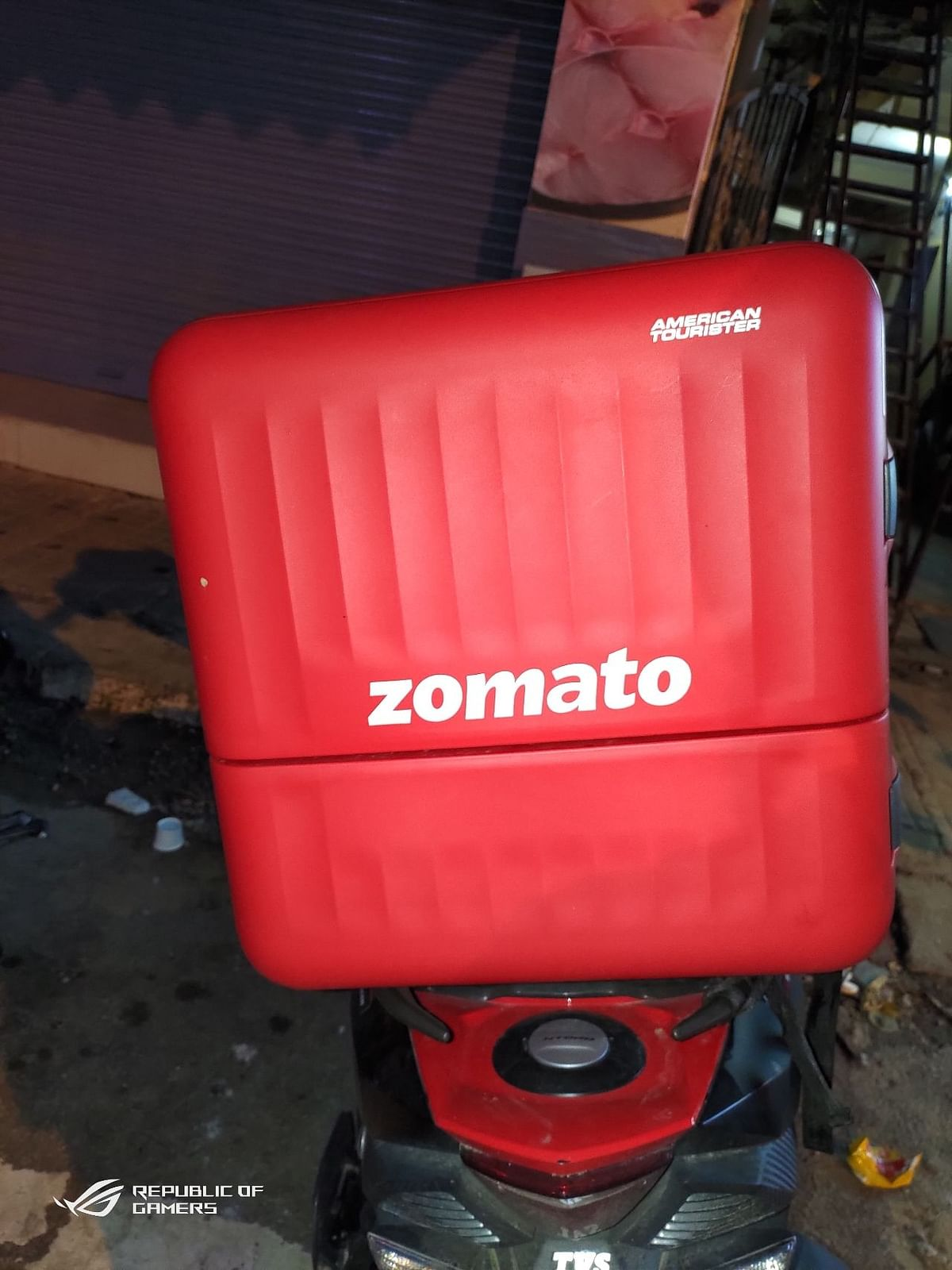Meet the American Tourister branded Zomato delivery bag worth Rs 7k