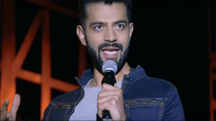 Bobby Pawar turns live comedy standup act into an ad for Heineken...