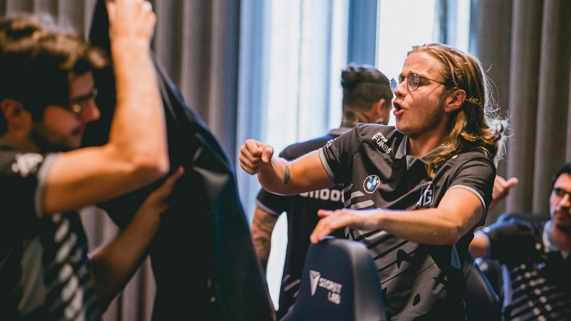 """<div class=""""paragraphs""""><p>Chen was picked for the first time in the TI10 qualifiers.</p></div>"""
