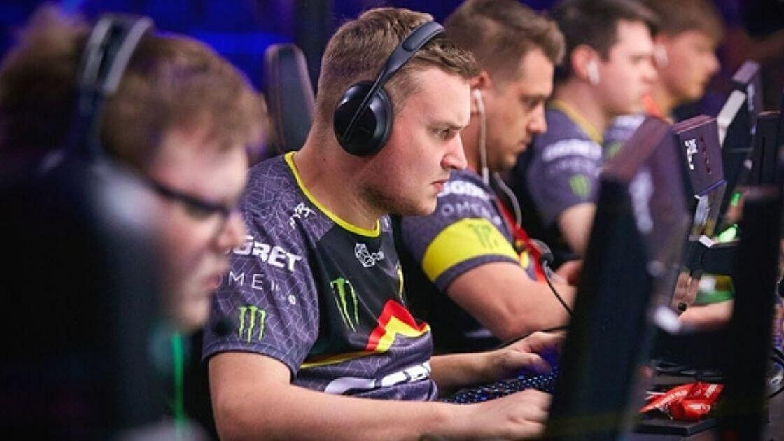 Popular Russian Rapper Plans To Create CS:GO Team, Allegedly Invites Flamie